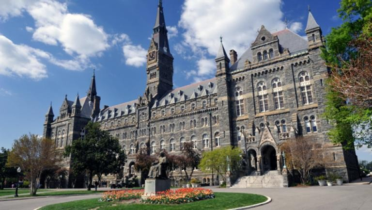 "Beca Santander – Georgetown University: ""Summer Workshop-Social Innovation and  Financial Inclusion in the Digital Age"""